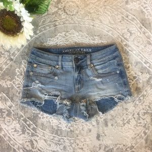 American Eagle Shortie Shorts With Peakaboo Pocket